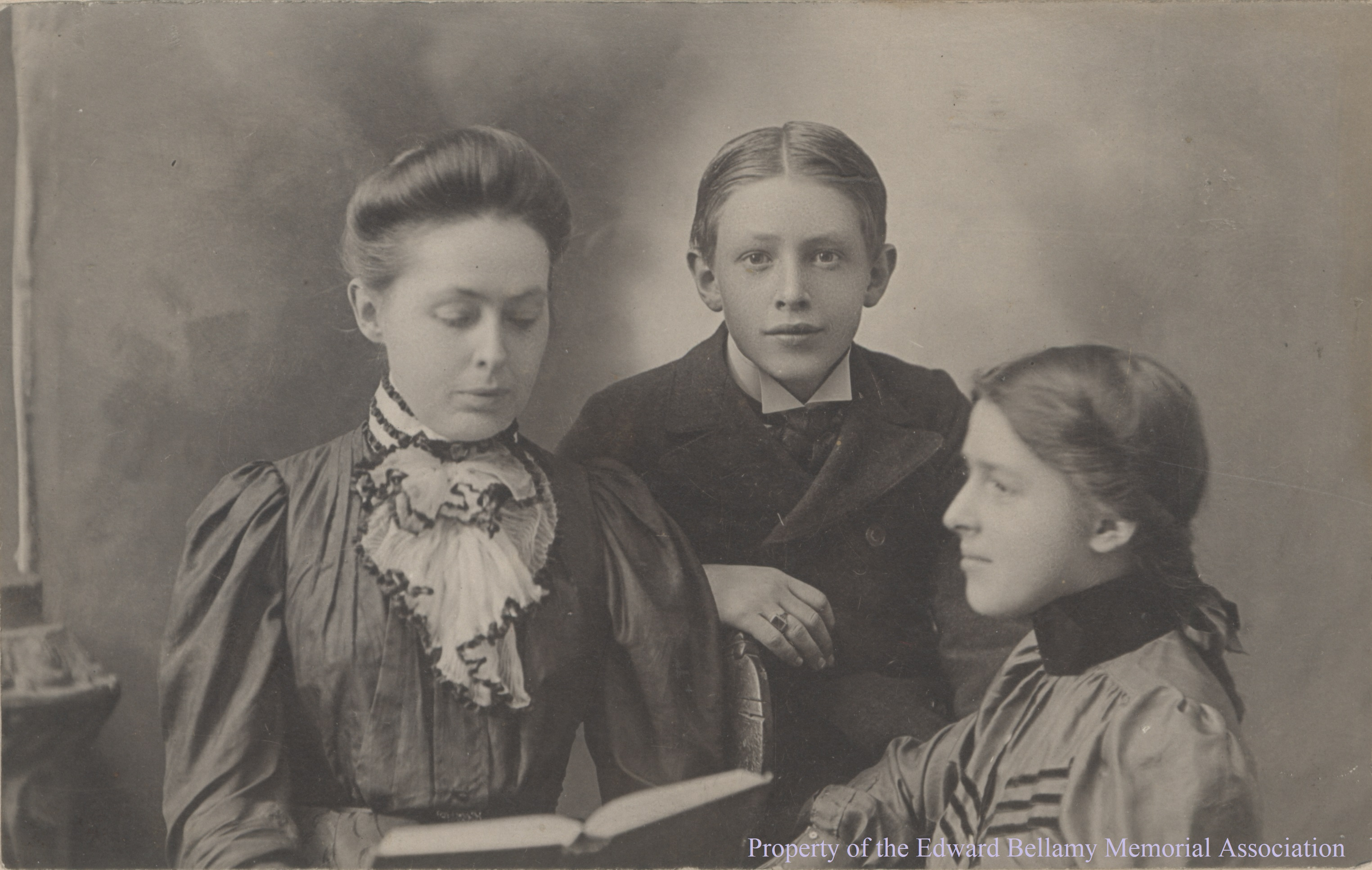 emma-and-childrenb-ebma-20.005_cropped_watermark